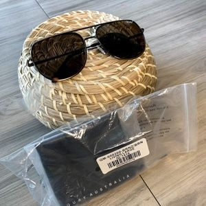NWT Quay Living Large Bronze Aviator Sunglasses